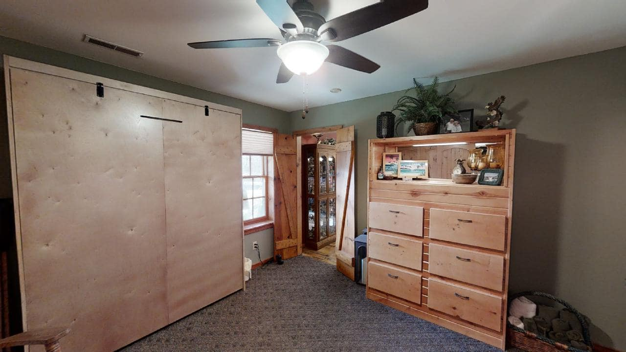 748-S-Barn-bonus room-min