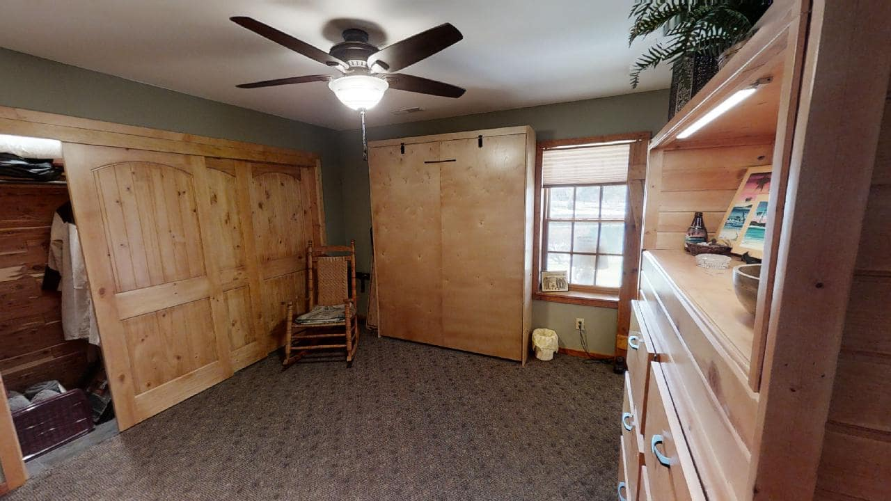 748-S-Barn-Lane-bonus room-min