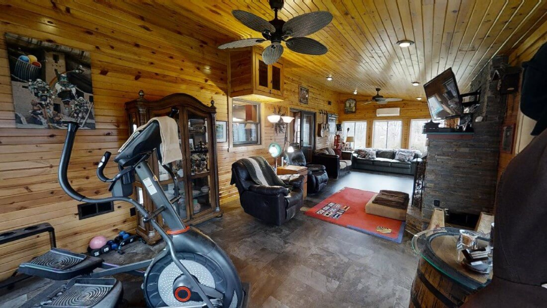 748-Barn-Ln-the sunroom